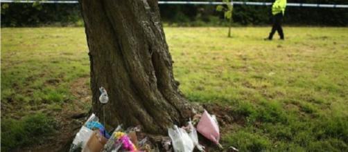 La piccola Ambre si è tolta la vita impiccandosi a un albero.