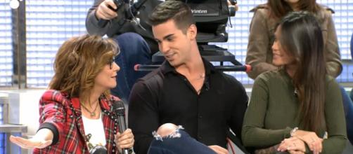 Alex y Fiama anuncian su compromiso en MYHYV (Mediaset)