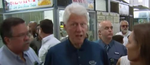 Former U.S. President Bill Clinton visits Puerto Rico and meets with those left homeless. [Image source/ MSNBC YouTube video]