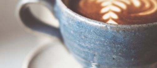 Nuove raccomandazioni americane sul consumo eccessivo di caffeina, massimo quattro o cinque caffè per non eccedere nelle quantità. (Canva)