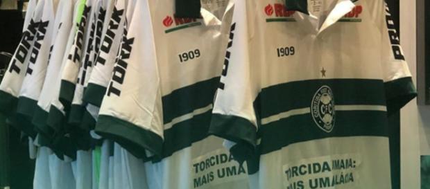 Coritiba protestou em sua camisa (Divulgação/Instagram/Coritiba).