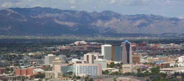 En Tucson los migrantes centroamericanos reciben ayuda humanitaria. - hotelroomsearch.net