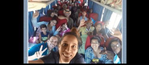 Acidente com carreata e micro-ônibus deixa 6 mortos - Foto: Reprodução/TV Bahia