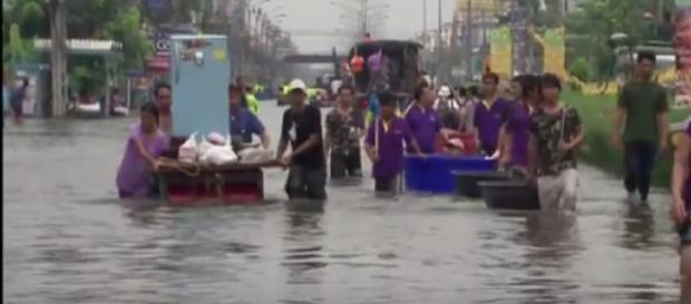 Bangkok sinking under its own success (Thailand) - BBC News 2 September 2018. [Image Source/Mark1333 YouTube video]