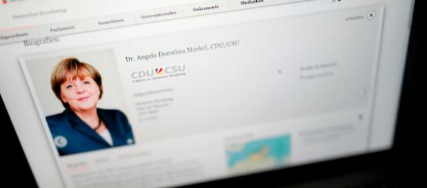 News: Hacker-Angriff: Daten von Angela Merkel, Sido + Böhmermann ... - gala.de