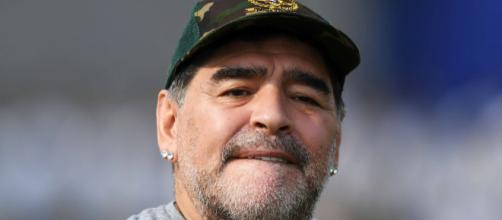 Diego Armando Maradona ha lasciato la clinica di Olivos a bordo di un suv nero