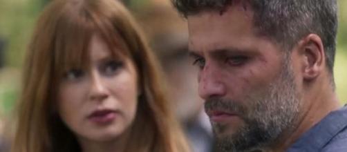 Luz e Gabriel terminam o noivado em O Sétimo Guardião (Foto: TV Globo)