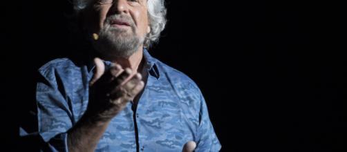 Tra la politica del M5S e lo spettacolo, Beppe Grillo torna in scena a Oxford