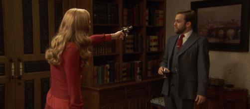 Anticipazioni Il Segreto: Julieta punta una pistola contro Fernando