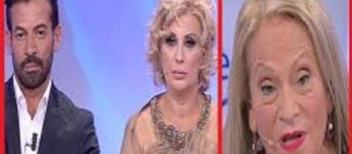 Anticipazioni Uomini e donne: Angela in lacrime dopo lite con Gianni e Tina.