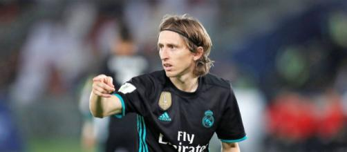 Luka Modric nervoso dopo l'ennesima sconfitta della sua squadra.