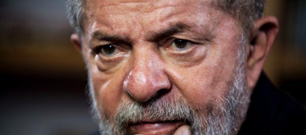 Ex-presidente Lula demonstra preocupação com governo Bolsonaro - Foto (Nelson Almeida/AFP)