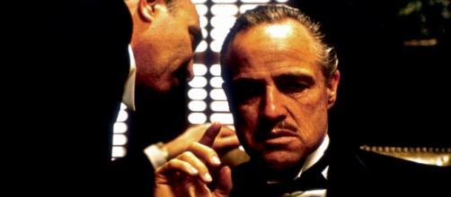 Don Vito Corleone, o mais famoso mafioso da história do cinema (Fonte: joannaholy.pl)