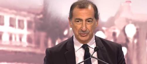 Il sindaco di Milano Beppe Sala accoglie con favore i migranti