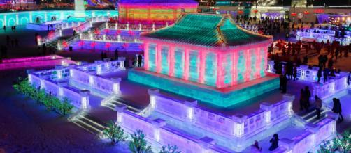 Inauguran el festival de Hielo de Harbin, famoso por sus increíbles estatuas