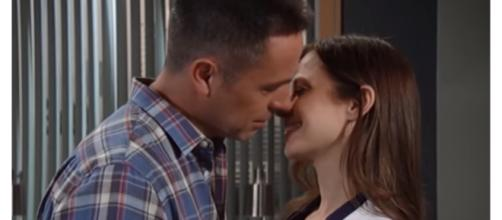Julain breaks up with Kim when he sees her kiss Drew. [Image Source: JSMS99- YouTube]