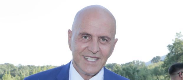 Kiko Matamoros amenaza a Julio Iglesias con hablar