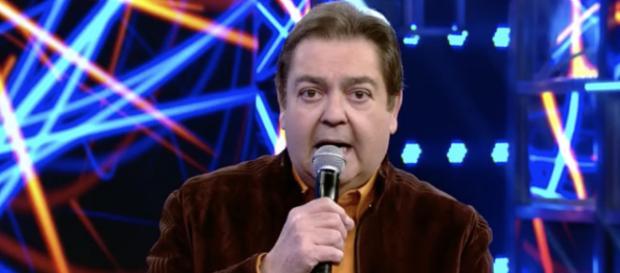 Na Globo, Fausto Silva critica governo e os internautas acham ser Bolsonaro (crédito: TV Foco)