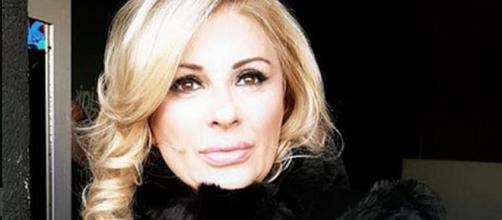 Anticipazioni Uomini e donne: Tina Cipollari organizza uno scherzo per Angela