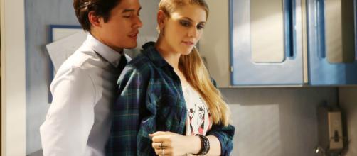Che Dio ci aiuti: Cristiano Caccamo e Arianna Montefiori in una ... - movieplayer.it