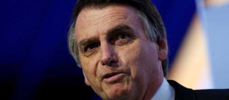 Bolsonaro deve adotar como primeira grande medida a flexibilização do estatuto armamentista.