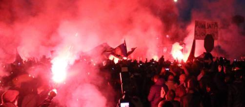 Altre decisioni dopo violenze negli stadi. Foto cronachedi.it