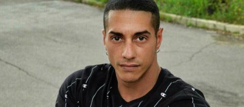 Francesco Chiofalo ha superato l'intervento alla testa: è sveglio ma in prognosi riservata.