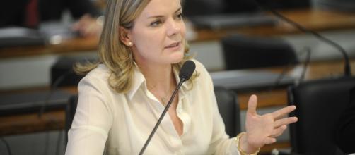 Gleisi Hoffmann defende o governo de Maduro em nota e vai à posse na Venezuela