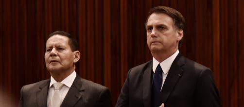 Mourão teve que dar explicações ao presidente Bolsonaro pela promoção do filho no BB. (Reprodução)