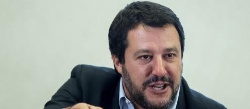 Pensioni, ministro Salvini lancia ultimatum al M5S: 'Più soldi ai disabili o non votiamo il reddito di cittadinanza' - fanpage.it