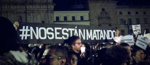Proteste in Colombia per i leader politici assassinati.