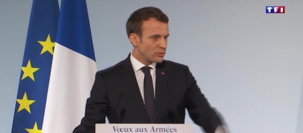 Emmanuel Macron présentera tout de même ses vœux aux armées.
