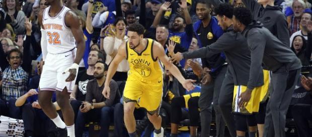 Golden State Warriors star Klay Thompson scored 43 points on Tuesday (Jan. 8) versus the NY Knicks. [Image via NBA/YouTube screencap]