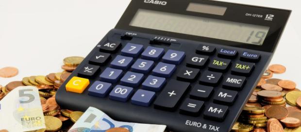 Reddito di cittadinanza: indicatore di povertà a 6000 euro annui per chi vive da solo