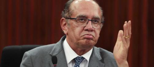 Gilmar Mendes acata pedido de Flávio Bolsonaro e suspende caso Queiroz. (Marcello Casal Jr./Agência Brasil)