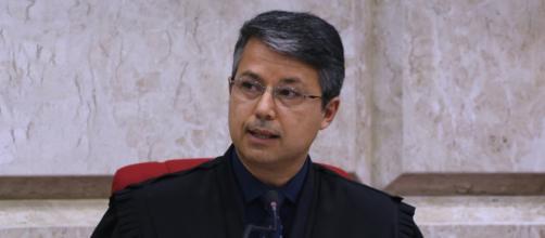 Presidente do TRF-4 Victor Laus fala sobre decisão de Lula de não aceitar o regime semiaberto. (Sylvio Sirangelo/TRF4)