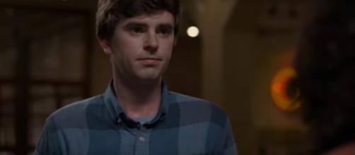 Shaun Murphy (Freddie Highmore) makes time to take a revealing walk with Carly in 'Debts' on 'The Good Doctor.' [Image Source: TVPromos/YouTube]