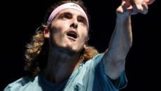 Shanghai : Tsitsipas se qualifie dans la douleur, Federer tranquille