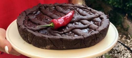 Crostata al cioccolato e peperoncino calabrese, una ricetta sfiziosa e sublime al palato