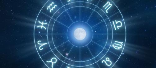 Horóscopo diário com sugestões para todos os signos nesta sexta-feira (11). (Arquivo Blasting News).