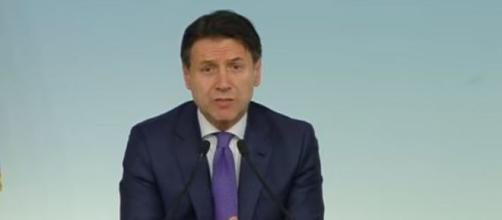 Il capo del Governo Giuseppe Conte, sostenuto da Pd-M5s-
