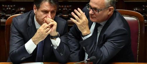 Il premier Conte e il ministro dell'economia Gualtieri