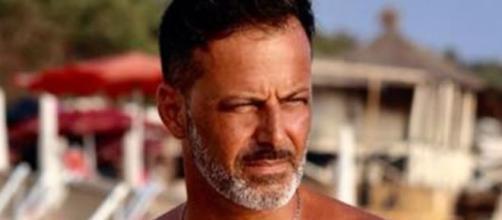 Kikò Nalli aggredito per strada a Roma: colpito alle spalle e insultato