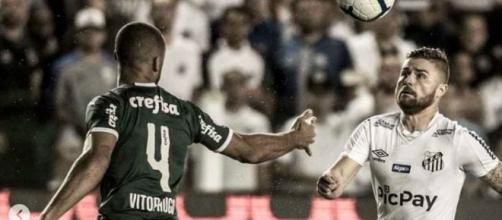 Santos domina o jogo contra o Palmeiras, vence e assume segunda posição do Campeonato Brasileiro. (Reprodução/Instagram/ @IvanStorti/Santos FC)