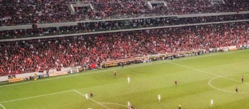 Timão quer se aproximar da-liderança. (Reprodução/Instagram/@athleticoparanaense)