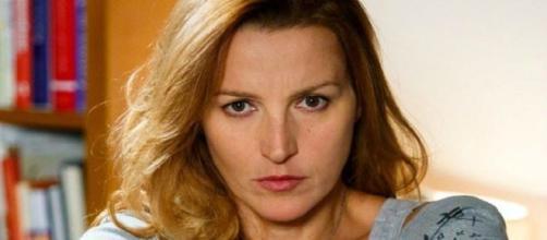 Upas, trame dal 21 al 25 ottobre: Giovanna convoca Beatrice in commissariato