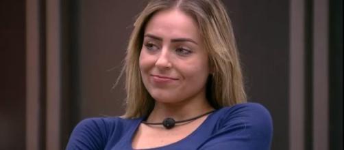 Ex-BBB Paula pede respeito a namorado de Hariany. (Arquivo Blasting News)