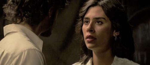 Il Segreto, spoiler spagnoli: Matias e Alicia si danno un bacio appassionato