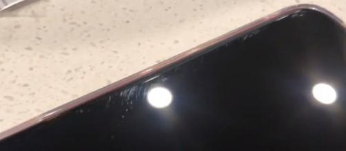 iPhone 11 Pro, il display si graffia con estrema facilità e gli utenti protestano (VIDEO)