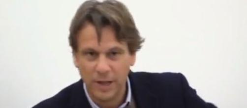 Nicola Porro critica la manovra finanziaria.